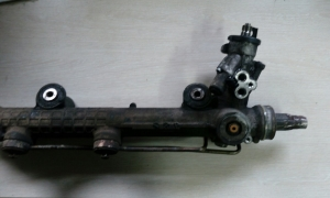 Ремонт рулевой рейки на MERCEDES W211 (2002-2009)